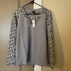 CosaBella Gray Leopard Pajama Top Size M